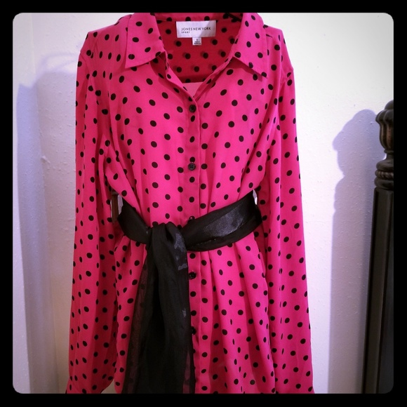 Jones New York Tops - Jones New York pink/ black polka dots shirt